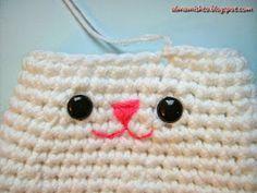 Alma Mishto de Cora King: Gato Mishto Crochet Doll Clothes, Crochet For Kids, Lana, Free Pattern, Beanie, Dolls, Children, Website, Patterns