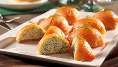 The smoked salmon pralines with spicy herbal-dill filling - Snack Mix Recipes Party Finger Foods, Finger Food Appetizers, Appetizer Recipes, Salmon Recipes, Fish Recipes, Keto Recipes, Tapas, Xmas Food, Smoked Salmon