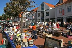 Your Ultimate Guide to Flohmärkte - Germany's flea markets. http://germanyja.com/your-ultimate-guide-to-flohmarkte/