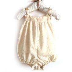 Paso a paso para confeccionar un pelele de bebé con patrón gratis descargable ¡Verás que sencillo de hacer es y que bonito queda!