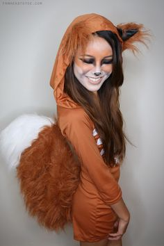 From Head To Toe: Fox Halloween Tutorial! This is so adorable omg! and not corny and slutty! i love it Van kop tot teen: Fox Halloween Tutorial! Dit is zo schattig omg! Fox Halloween Costume, Halloween Mignon, Halloween Diy, Halloween Makeup, Squirrel Costume, Diy Fox Costume, Skunk Costume, Wolf Costume, Couple Halloween