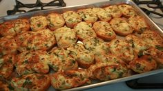Fırında Yumurtalı Ekmek nasıl yapılır? Sosyal Tarif resimli yemek tarifleri sitemizden Fırında Yumurtalı Ekmek tarifimizi görmek için tıklayınız.