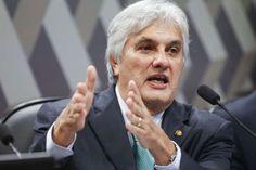 Senado vota pela cassação de Delcídio do Amaral