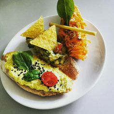 Chlebíček store in Praha, Hlavní město Praha Delicious Vegan Recipes, Vegetarian Recipes, Praha, Quick Meals, Avocado Toast, Breakfast, Ethnic Recipes, Food, Yummy Vegan Recipes