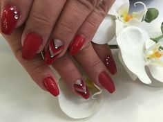 #nails #crystalcenter #red