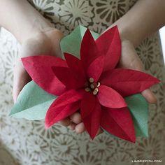 DIY Paper Poinsettia | Lia Griffith À mettre de côté pour retrouver avant Noël !