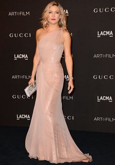 Kate Hudson in a blush one-shoulder Gucci gown with a silver clutch at the LACMA Film + Art Gala Kate Hudson, Gala Dresses, Red Carpet Dresses, Couture Dresses, Pretty Prom Dresses, Beautiful Dresses, Nice Dresses, High Fashion Outfits, Star Fashion