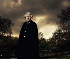 Elizabeth II - ANNIE LEIBOVITZ'S PAINTERLY EFFECT