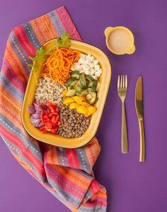 L'indien - bol-repas protéiné au quinoa, aux légumes grillés et sauce crémeuse cari-cajou   - Cuisinez! - Télé-Québec Quebec, Sauce Au Poivre, Sauce Crémeuse, Tacos, Vegetarian, Ethnic Recipes, Roasted Garlic, Eat, Quebec City