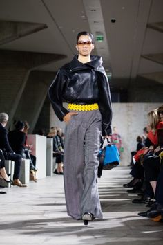 Loewe Look 3 FW15 Love the wide tweed pants and of course the bag!