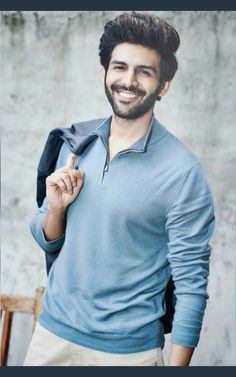 Are you finding Height, Weight, Wiki, Age, Family Biography etc of Kartik Aaryan ? Handsome Celebrities, Handsome Actors, Cute Celebrities, Indian Celebrities, Bollywood Celebrities, Handsome Boys, Bollywood Actress, Celebs, Bollywood Photos