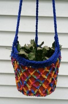 free crochet pattern - plant pot holder ~ a VERY RETRO pattern as we made these back in the 1970's!