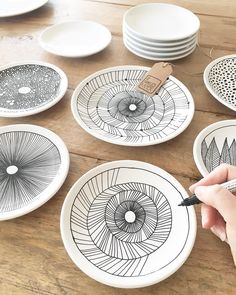 - List of the most creative DIY and Crafts Painted Ceramic Plates, Ceramic Painting, Ceramic Pottery, Pottery Plates, Diy Clay, Clay Crafts, Diy And Crafts, Ceramic Cafe, Pottery Painting Designs