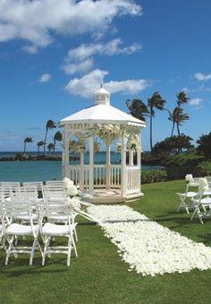 Oahu Luxury Wedding Venue: The Kahala Hotel & Resort
