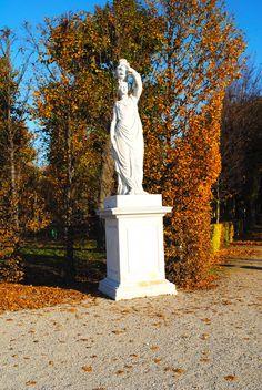 (c) Schloß Schönbrunn Kultur- und Betriebsges.m.b.H./Kornelia Bauer Parks, Heart Of Europe, Palaces, Art And Architecture, Vienna, Fresco, Austria, Castles, Garden Sculpture