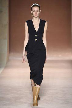 Victoria Beckham Fall 2015 collection in New York Fashion Week – GeorgiaPapadon