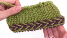 In this DROPS video we show you how to work a braided edge. A braided edge is worked best in the round. We first cast on an even number of stitches with 2 different… Easy Knitting Patterns, Knitting Stitches, Crochet Patterns, Knitting Ideas, Braided Scarf, Knit Edge, Edge Stitch, Yarn Crafts, Lana