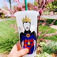 She may be the Evil Queen by oh boy does she sparkle in our cup ✨✨ Personalized Starbucks Cup, Custom Starbucks Cup, Teacher Christmas Gifts, Teacher Gifts, Disney Starbucks, Us Cup, Maleficent, Ursula, Coolers