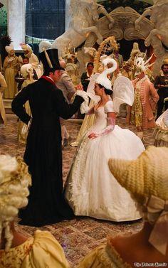 Swan hat... Must try!
