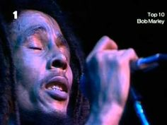 """Bob Marley & The Wailers -  No Woman No Cry. Het nummer werd pas echt bekend in de live-uitvoering zoals die is te horen op het album Live! uit 1975. Hoewel Bob Marley het nummer zelf schreef, werd het officieel toegeschreven aan """"V. Ford""""."""