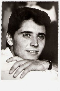 Sacha Distel French postcard by Editions P.I