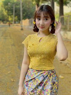 Myanmar Traditional Dress, Traditional Dresses, Sexy Asian Girls, Beautiful Asian Girls, Burmese Girls, Myanmar Dress Design, Myanmar Women, Stylish Hoodies, Church Dresses