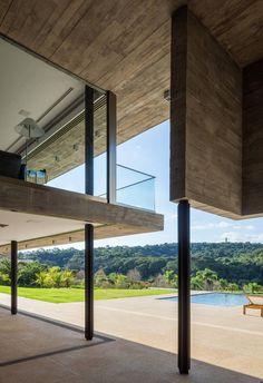Gallery of LG House / Reinach Mendonça Arquitetos Associados - 18
