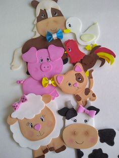 Fazendinha 😍 Kids Crafts, Zoo Crafts, Diy And Crafts, Arts And Crafts, Paper Crafts, Birthday Decorations, Birthday Party Themes, Farm Animal Cupcakes, Farm Activities