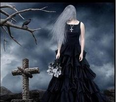 UMBANDA EM PAZ...: Pombagira Maria Mulambo das Almas... Gothic Angel, Gothic Art, Gothic Girls, Dark Beauty, Gothic Beauty, Victorian Fashion, Victorian Gothic, Divas, Werewolf Hunter