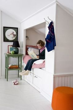 the boo and the boy: Built in kids' beds