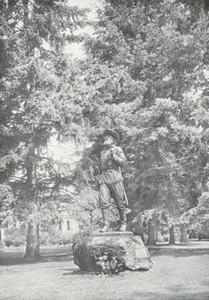 The Pioneer statue on campus in 1937.  From the 1937 Oregana (University of Oregon yearbook).  www.CampusAttic.com