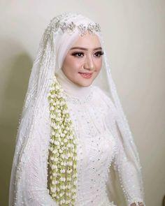 Inspired by - Barbie idup 😍😍😍😍😍 wedding dresses muslim wedding Muslim Wedding Gown, Hijabi Wedding, Wedding Hijab Styles, Kebaya Wedding, Muslimah Wedding Dress, Muslim Wedding Dresses, Wedding Gowns, Bridesmaid Dresses, Bridal Hijab