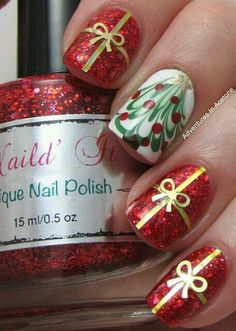 Christmas tree and present nails