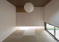 Japanese-Style Home located in Minoh City, Osaka. Japanese Interior Design, Scandinavian Interior Design, Interior Exterior, Interior Architecture, Japanese Modern House, Japanese Style, Zen Interiors, Deco Zen, Tatami Room