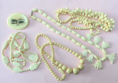 ANTIQUE JOB LOT OF CHINESE BEADS & BROOCH PIN 1920