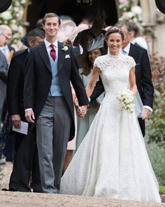 Pippa Middleton trouwt in Giles Deacon: bekijk hier alle beelden
