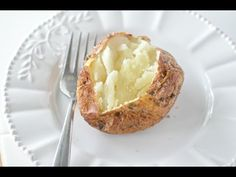 Are you ready to make the best air fryer baked potato you'll ever taste? Crispy and tasty Air Fryer Baked Potatoes. Coated in flavor! Make our Air Fryer Baked Garlic Parsley Potatoes for the best side dish recipe in just 35 minutes for your family meals. Air Fryer Xl Recipes, Air Fryer Dinner Recipes, Air Fry Recipes, Baked Potato Recipes, Cooking Recipes, Ninja Recipes, Healthy Cooking, Air Fry Potatoes, Air Fryer Baked Potato