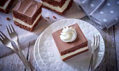 Ciasto czekoladowe z masą śmietanową Vanilla Cake, Tiramisu, Pie, Pudding, Ethnic Recipes, Food, Torte, Cake, Fruit Cakes