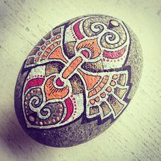 #beautifulmandalas #mandala #mandalastones #paintedrocks #paintedstones #stoneart #beautiful_stones #stonepainting