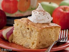 All of us apple lovers owe Johnny Appleseed a big thanks for his delicious deeds, and our Johnny Appleseed Cake is a great way to enjoy that tasty and nutritious fruit. Apple Desserts, Homemade Desserts, Apple Recipes, Easy Desserts, Delicious Desserts, Fall Recipes, Cake Mix Recipes, Dessert Recipes, Cake Mixes