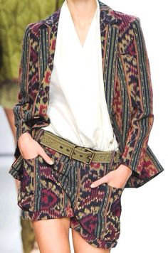 Tenun outer and hot pants