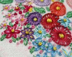 Sunbonnet Garden Embroidered Quilt Square – Close Ups – Needle'nThread.com
