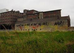 warindawest-war-street-art-wall-painting-la-nuit-tous-les-murs-ne-sont-pas-gris-caen-france-2012