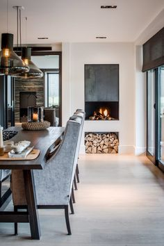 Set the right scene for the dining table lamps! - dining table lamps stylish solution for lighting the dining area - Home Interior Design, Interior Architecture, Room Interior, Sweet Home, Foyer Decorating, Decorating Ideas, Fireplace Design, Fireplace Ideas, Fireplace In Kitchen