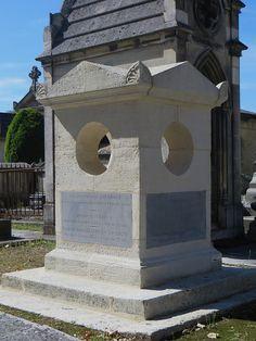 Monument funéraire, cimetière de la Chartreuse, Bordeaux, Gironde, Aquitaine, France. | Flickr - Photo Sharing!