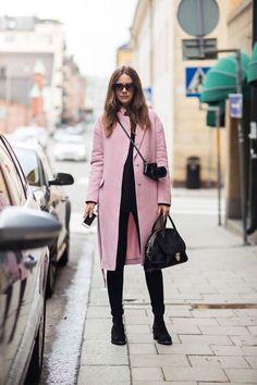 Mira Estos 12 Estilosos Looks Que Combinan Negro Y Rosado A La Perfección | Cut & Paste – Blog de Moda