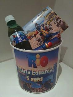 Que linda esta idéia de convite de festa de criança com kit pipoca/refri/balde!