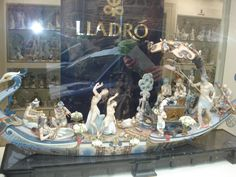Massive #lladro in #Tolledo, #Spain store display #andreacatsicas