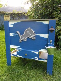 Wooden Detroit Lions cooler DIY Father's Day Wooden Cooler, Diy Cooler, Woodworking Shows, Father's Day Diy, Detroit Lions, Picture Ideas, Toy Chest, Fathers Day, Etsy Seller