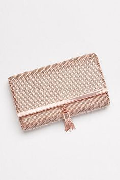 This tasseled metal mesh clutch has an edgy feel, but its soft metallic glow makes it the perfect complement to a romantic night-out look. Prom Clutch Bags, Bridal Clutch, Rose Gold Clutch, Occasion Bags, Wedding Purse, Wedding Bags, Clutches For Women, Classic Handbags, Handbag Organization
